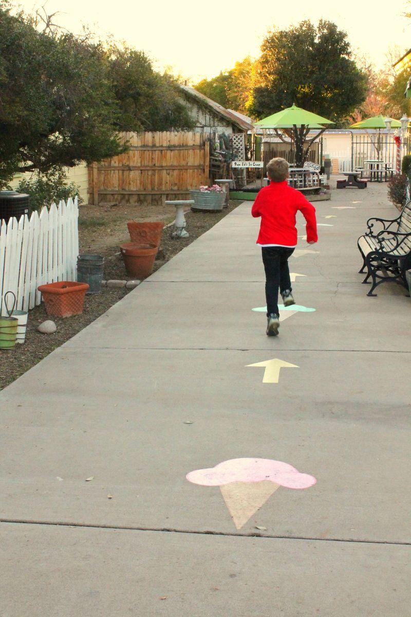 Glendale Glitters Matt running