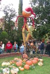 Haunted_mansion_scarecrow